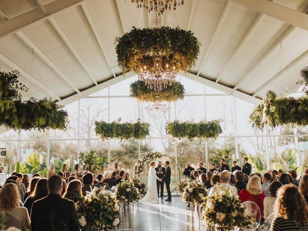 REASONS TO CHOOSE BARN WEDDING VENUE!
