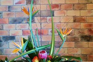 6 Splendid Flower Wall Ideas For Your Wedding.